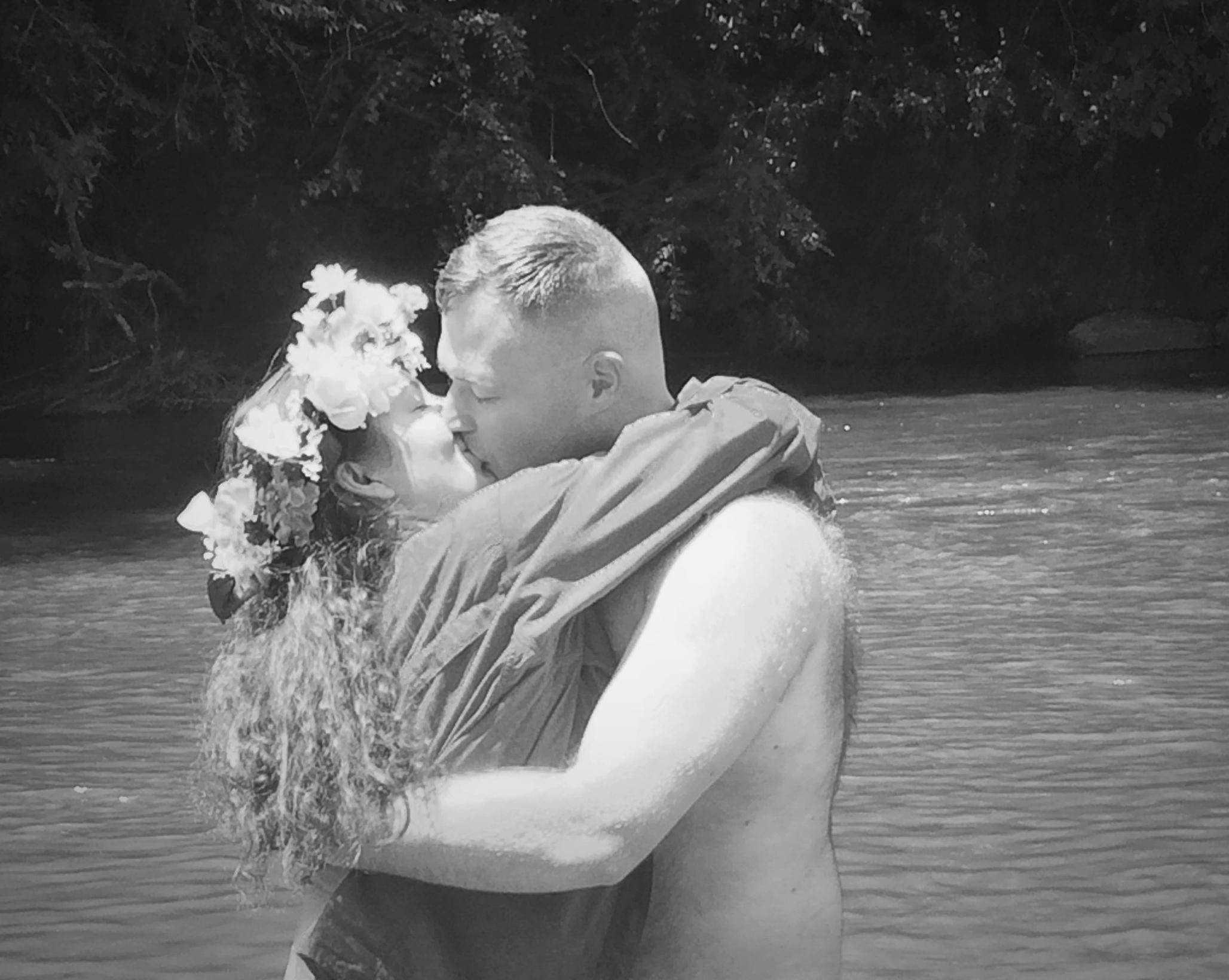 kiss your bride 2